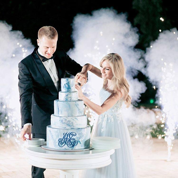 свадебная (семейная) монограмма на торте