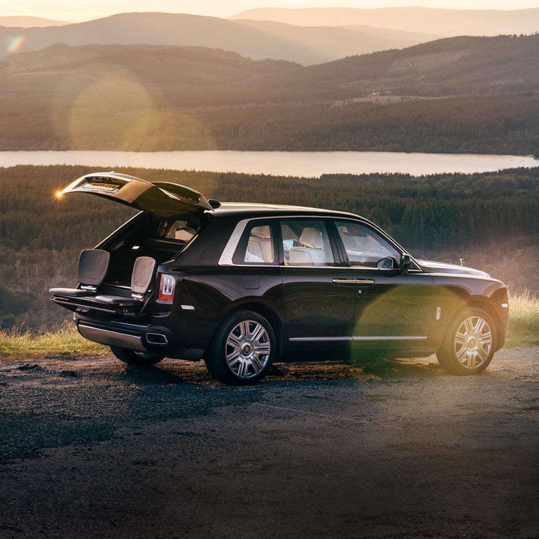 Комфортное путешествие с автомобилем Rolls-Royce, персонализация от Bespoke